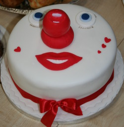 Red Nose Cake Images : Behind The Scenes Of Comic Relief - Ethical Blog from ...