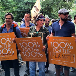 Leonardo DiCaprio and Mark Ruffalo at the Climate March in New York. (@leonardodicaprio)