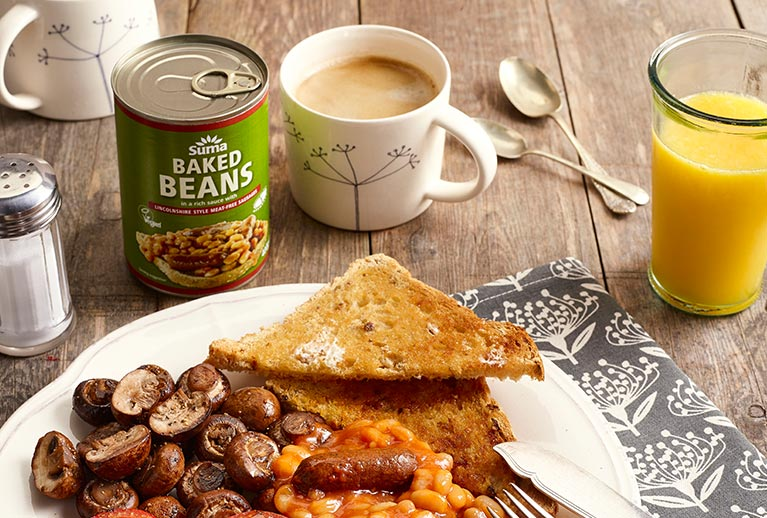 NEW: Suma Baked Beans with Linconshire Style Meat-Free Sausages - Vegan Society approved!
